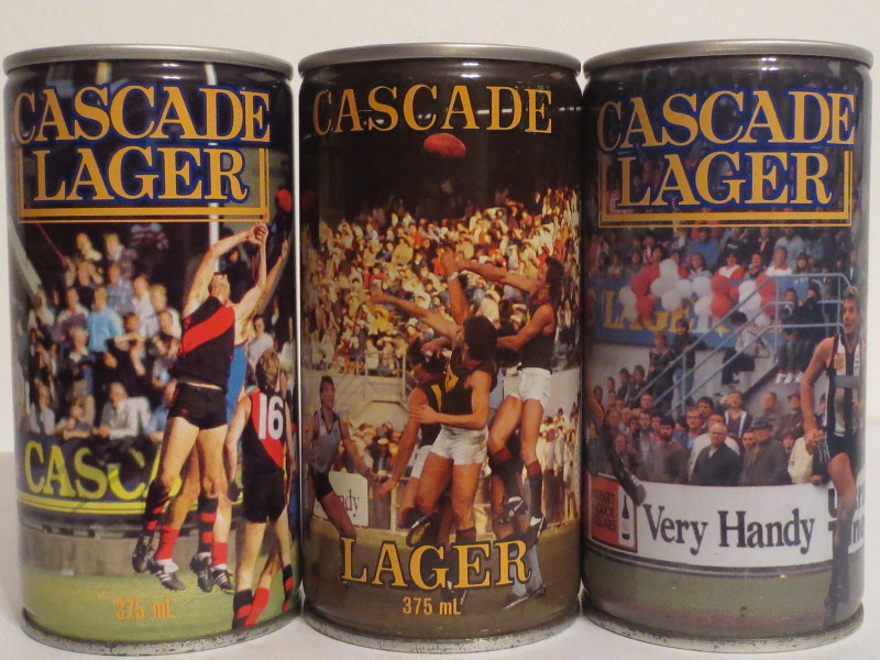 CASCADE LAGER FOOTBALL set from AUSTRALIA (37,5cl)