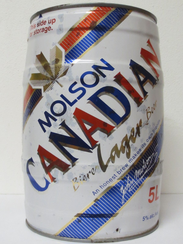 MOLSON CANADIAN Lager HUGE